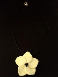 Pendentif hibiscus blanc